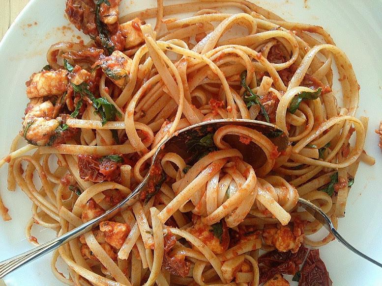 Linguini mit Sauce