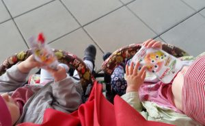 Foto Kinder trinken Quetschie