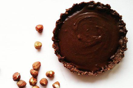 Foto von einer zuckerfreien Kakao-Tarte