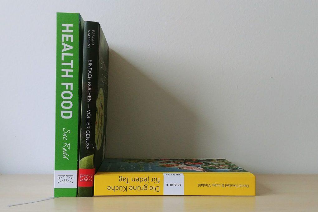 Cover von Kochbüchern zum Thema gesunde Küche