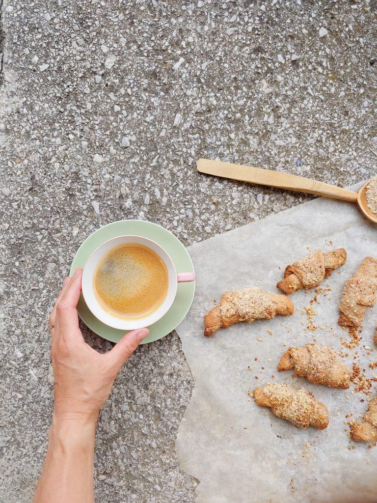 Croissants mit Kaffee gesund